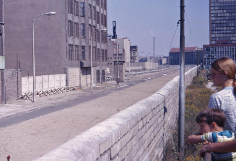 Families divided by the Berlin Wall